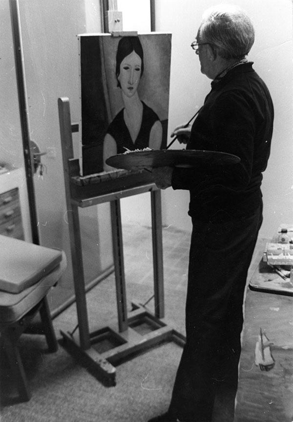 Elmyr painting a Modigliani